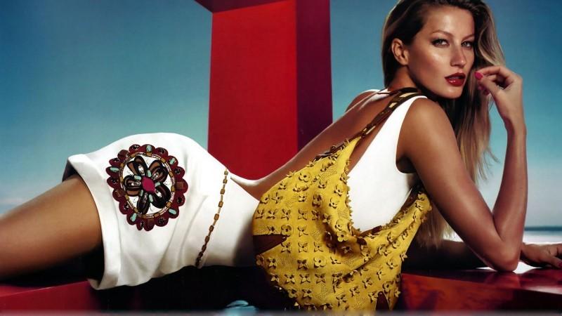 Хувцас загвар, гоо сайхантай холбоотой сонирхолтой 10 баримт